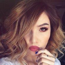 fryzurka i makijaż! ;)