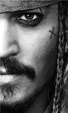 Johnny Depp-Jack Sparrow.