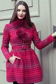 Piękny damski płaszczyć.   Hot or not?