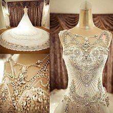 Przeurocza suknia ślubna warta pożądania.