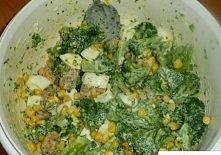 Składniki:   - 1 brokuł - połowę filetu z kurczaka - pół puszki kukurydzy - 3...