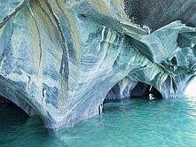Marmurowe jaskinie, Patagonia w Chile Niezwykły formacje skalne znajdują się ...