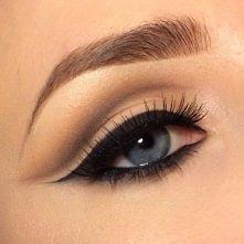 Piękny makijaż oka.