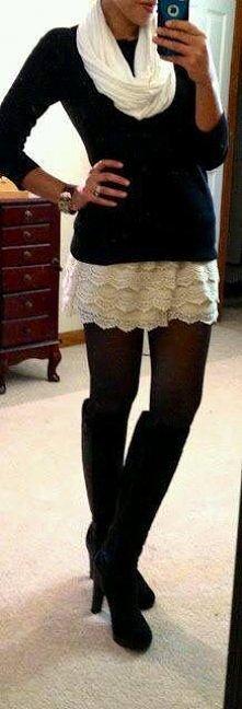Kremowa sukienka i czarne rajstopy, tak, czy nie --->> odpowiedź -->>
