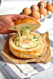 Bułka śniadaniowa z jajkiem...