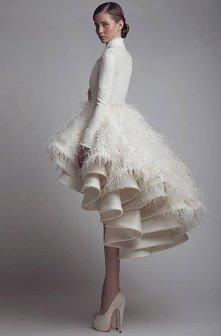Całość oceniam na 6+, zakochałam się w tej sukni! Jej prostota powala z nóg.