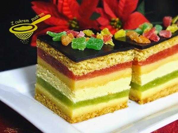 """miodownik wg Ewy Capri   """"Idealne świąteczne ciasto, jestem z siebie zadowolona :)) Dobrze się prezentuje, szybciej namięka niż tradycyjny miodownik, jest trochę pracochłonne, ale warto poświęcić mu ździebko uwagi i czasu, dlaczego? Bo jest PRZEPYSZNE ! :)""""  Przepis po kliknięciu w zdjęcie! ♥"""