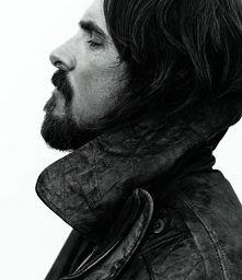 Christian Bale, photographe by Mikael Jansson for WSJ Magazine, Dec 2014.