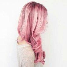 Przefarbowałyście kiedyś włosy na jakiś nietypowy kolor? Albo może chciałybyście to zrobić?