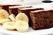 Przepis na chleb bananowy bez mąki i cukru...    - 2 szklanki mąki migdałowej (można ją dostać w sklepach ze zdrową żywnością) - 3 banany (koniecznie dojrzałe- ze względu na sło...