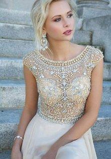 Szukam sukienki o podobnym ...
