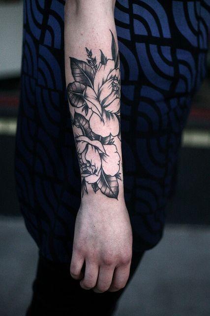 Kwiaty Na Przedramieniu Na Tattoo Zszywkapl