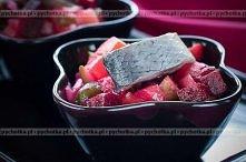 Kolorowa sałatka sledziowa