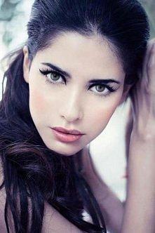 Piękna kobieta, piękny makijaż