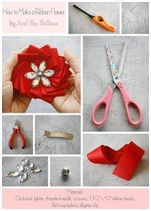 Kwiatek ze wstążki