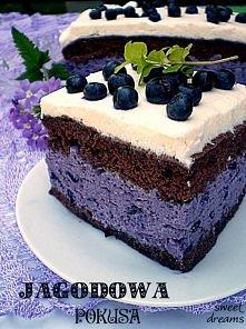 Ciasto jagodowe    Składniki na biszkopt kakaowy:  - 3 jaja  - 3 łyżki cukru  - 3 łyżki mąki  - 1 łyżka kakao  - 1 płaska łyżeczka proszku do pieczenia  Białka ubić na sztywną p...
