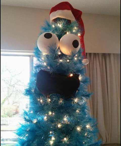 Cookie Monster it's christmas tree...