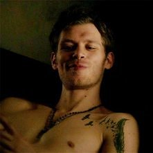 jejku *.* jaki on ma śliczny tatuaż <3
