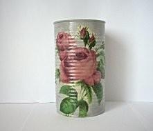 Szara puszka z motywem róży, wykonana metodą decoupage. Polecam :-)