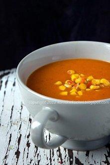 Zupa z pieczonej papryki z pikantną kukurydzą