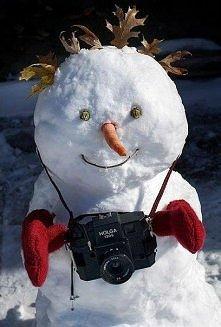 Jest śnieg, można ulepić bałwana :)