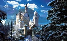 Zamek Neuschwanstein, położony wśród szczytów bawarskich Alp. Fanaberia  Ludwika II, ktory wzniósł ta przepiekna bajkowa budowle. Prace budowlane rozpoczeły sie we wrzesniu 1869.