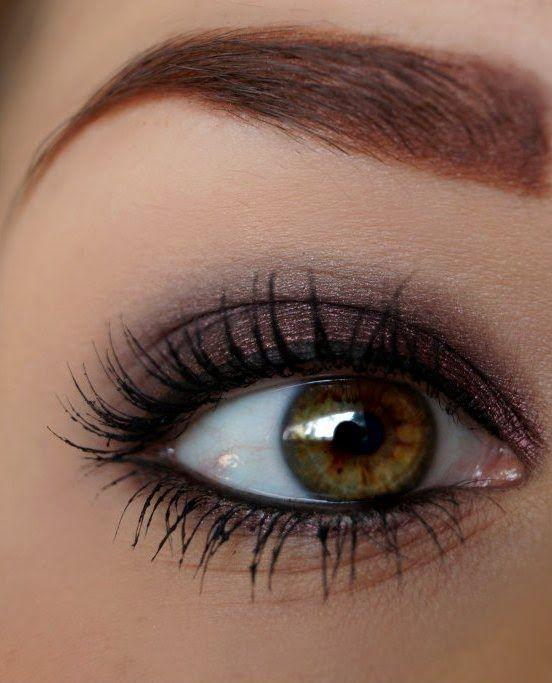 Delikatne makijaże na studniówkę -->> film, zdjęcia