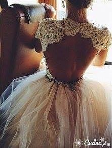 każda z nas by w takiej sukience wyglądała jak KSIĘŻNICZKA ♥♥♥♥ !