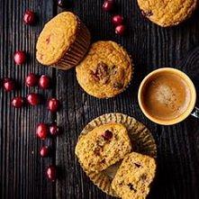 Mufinki jaglanp-dyniowe Składniki, 12 muffinów:  • 400 g puree z pieczonej dyni (bez odciskania z soków) • przyprawy: 1 łyżeczka cynamonu, 1/2 łyżeczki imbiru w proszku, 1/3 łyż...