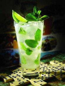 Najbardziej orzeźwiający napój na lato :)  Składniki: - garstka liści mięty - 2 łyżki cukru  - 100 ml białego lub złotego rumu - 200 ml soku z limonek(z ok.5 owoców) - 200 ml wo...