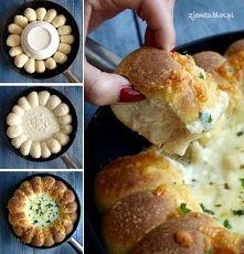 Gorące chlebki z dipem serowym! Przepis po kliknięciu na zdjęcie