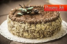 TORT JERZEGO POŁOMSKIEGO – ten tort powstał specjalnie dla Jerzego Połomskiego w ramach prezentu na jego 81 urodziny :) Składniki:      8 jajek     250 g cukru pudru     250 g m...