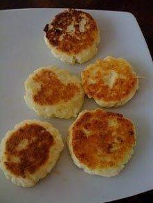 """Dietetyczne """"Serniczki Tatiany"""" - opakowanie dietetycznego serka wiejskiego - łyżka mąki - łyżeczka cukru lub szczyta soli(jeśli na słono, to można jeszcze dodać szczy..."""