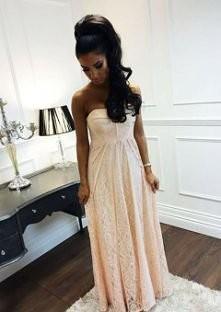 Jaka cudna suknia <3