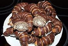 Rogaliki czekoladowo-kokosowe Składniki na starter: 250 ml mleka 2 łyżki cukr...