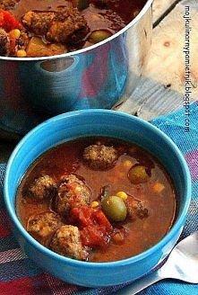 Zupa meksykańska z klopsikami wg Gordona  500 gr mięsa mielonego wp-woł 2 cebule 2 ząbki czosnku 3 łyżki bułki tartej 1/2 szkl. mleka sól, pieprz 1 łyżeczka suszonych chilli pep...