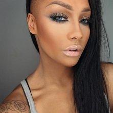 sonjdradeluxe make-up <3