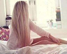 Przepiękne, blond włosy.