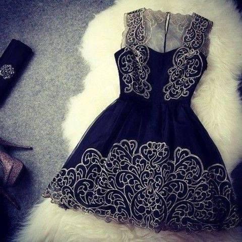 Hej Dziewczynki :) Wiem, że ta sukienka pojawiała się na stronie setki razy, ale potrzebuję jej i zwracam się do Was z ogromną prośbą o podesłanie linku. Gdzie mogę ją kupić? Przetrząsnęłam pół ebay'a i nie mogę jej znaleźć. W akcie desperacji zwracam się do Was. Błagam, pomocy :'(