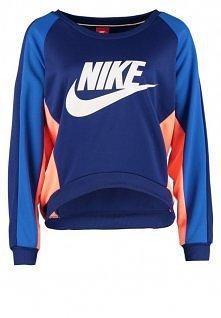 Nike Sportswear - FEARLESS