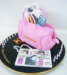 Tort- torebka z wyposażeniem