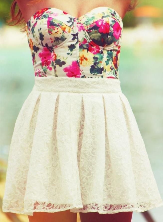Cel na lato: nosić więcej sukienek, zwiewnych, kolorowych i radosnych, takich żeby każdy dzień był inny wyjątkowy jak te kolorowe i urocze ubrania !