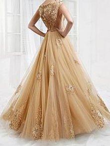 Ale suknia :) Jak wam podoba się kolor?