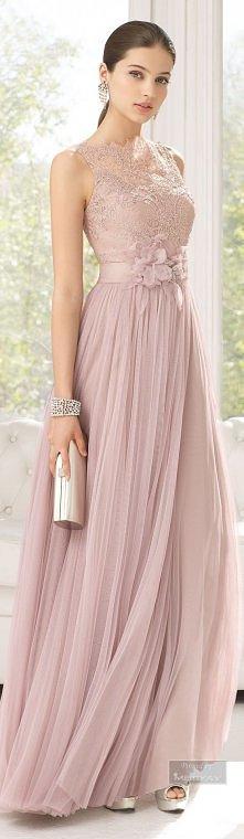 Piekna, delikatna suknia