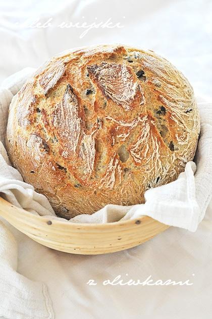 Chleb wiejski z oliwkami – bajecznie prosty