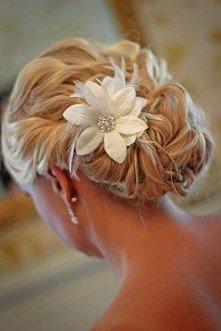 Ozdoby do włosów cz. 1 – Kwiaty z materiału
