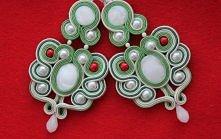 Sutasz z masą perłową. Więcej na handmadeanddiy.blog.pl