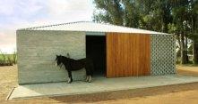 """""""Dom dla koni"""" wcale nie musi przypominać typowej stajni. Jak to zr..."""