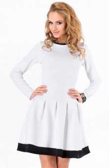 Makadamia M173 sukienka biała Przepiękna sukienka dostępna w dwóch klasycznyc...