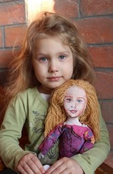 Lalka wykonana na podobieństwo dziewczynki :-)